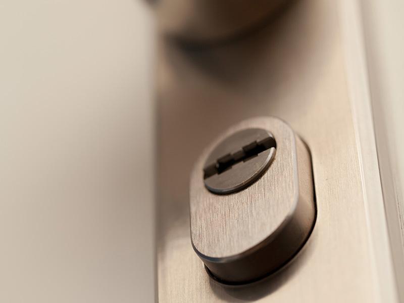 Haustür mit Sicherheitsschloss. Foto: © Polizeiliche Kriminalprävention