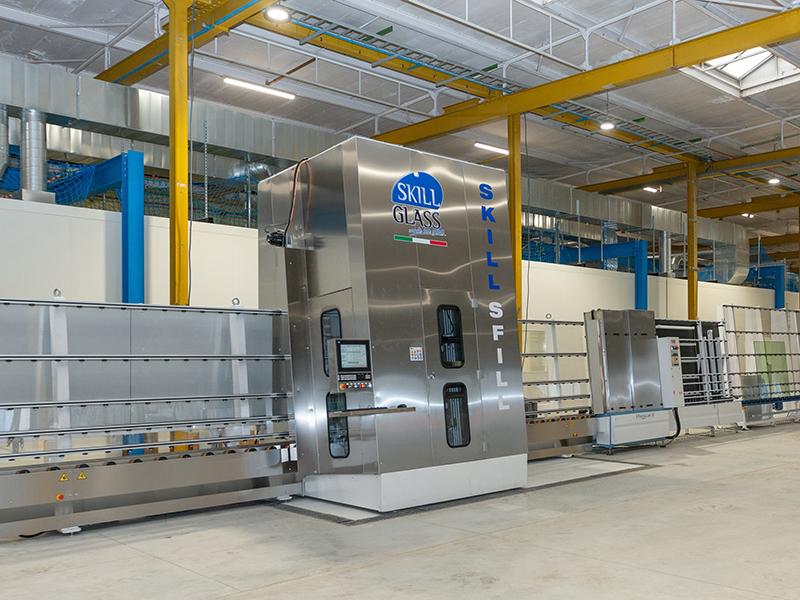 Zu Beginn des Jahres begann AGC Glass Europa im belgischen Lodelinsart mit dem Aufbau der Produktionsanlagen. Inzwischen Ist er abgeschlossen. Foto: © AGC Glass Europe