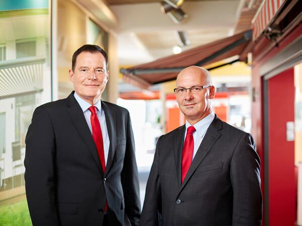 Klaus Wuchner (l.) und Michael Gerling sind die beiden Geschäftsführer des Unternehmens. Foto: © Markilux