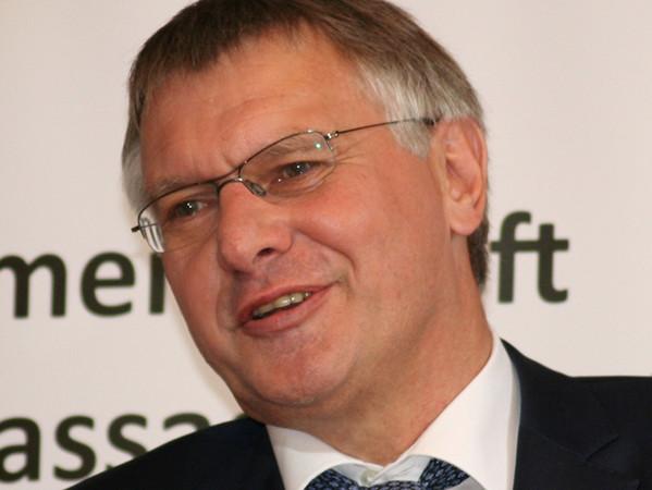 VFF-Präsident Detlef Timm mahnte, Architekten dürften bei der Digitalisierung die Details nicht aus den Augen verlieren. Foto: © Vössing