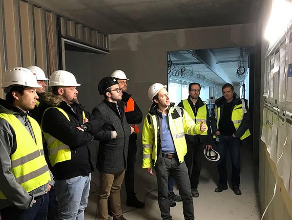 Exkursionen zu beispielhaften Projekten sind fester Bestandteil im Studienplan des Fachingenieur / Fachplaner Ausbau. Foto: © Katrin Lohschelder