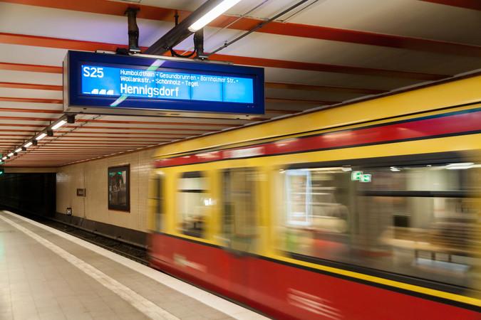 Für 365 Euro im Jahr können Azubis in Berlin und Brandenburg mit dem VBB-Abo Azubi ab dem 1. August 2019 U- und S-Bahn nutzen. Foto: © Thomas Fehr/123RF.com