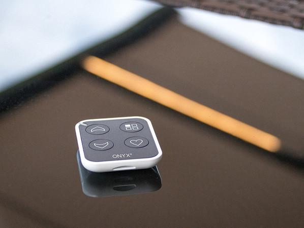 Der neue Handsender ist klein, handlich und smart. Foto: © Hella