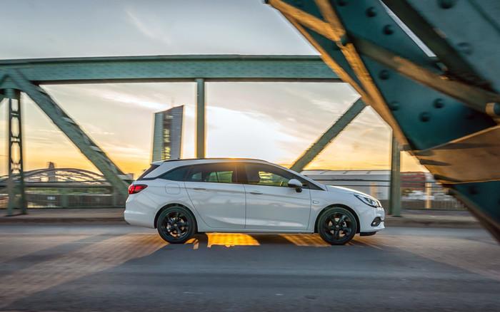 Der neue Opel Astra, hier der Sportstourer Foto: © Opel