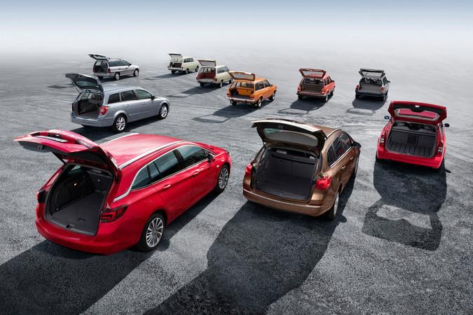 Viel Platz im Kofferraum des neuen Opel Astra Sportstourer Foto: © Opel