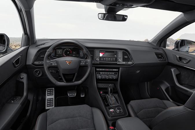 Auch im Innenraum setzt der Spanier auf Dynamik Foto: © Seat
