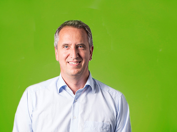 Volker Günthner ist seit dem 1. Juli bei Kneer-Südfenster als neuer Vertriebsleiter auch für den Fachhandel verantwortlich sowie Ansprechpartner für alle Außendienstmitarbeiter. Foto: © Kneer-Südfenster