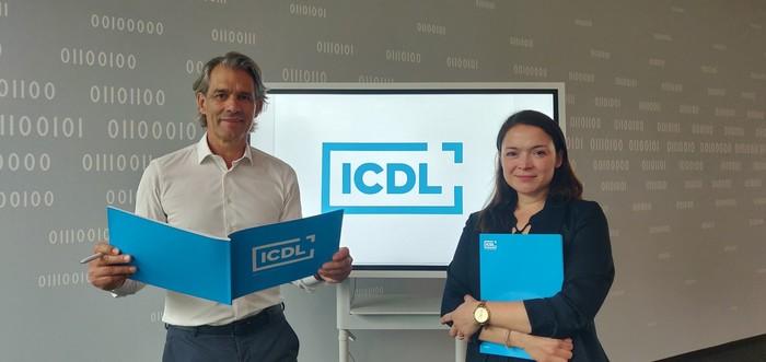 Thomas Michel, Geschäftsführer der DLGI, und Katrin Cürük, Referentin für Öffentlichkeitsarbeit und digitale Bildung Foto: © DLGI