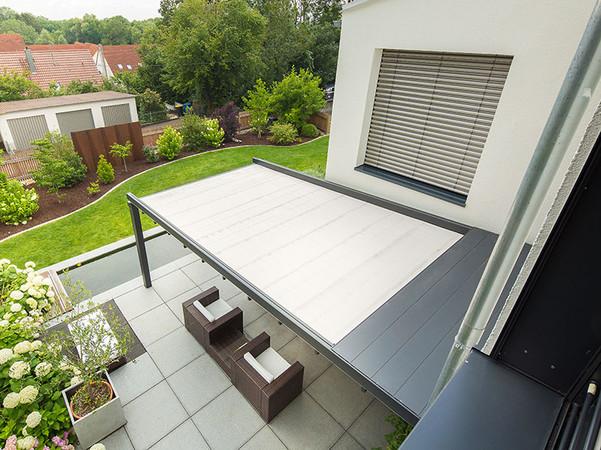 Als Einfeldanlage ist die Lösung dazu geeignet, den Außenbereich kompakt zu verschatten. Foto: © Reflexa
