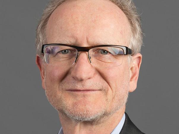 Joachim Straub, Geschäftsführer der Sika Deutschland GmbH, kündigt eine situationsbedingte Preisanhebung für den 1. Januar 2021 an. Foto: © Sika Deutschland GmbH