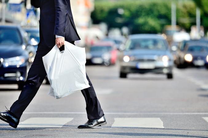 Plastiktüten dürfen bald nicht mehr verkauft werden. Foto: © conneldesign/123RF.com