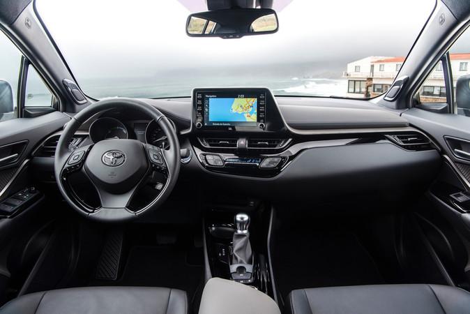 Neu für den Japaner ist das vernetzte Multimediasystem mit Smartphone-Anbindung. Foto: © Toyota