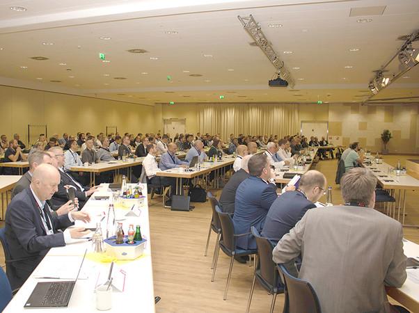 Rund 200 Fachleute folgten der Einladung nach Rheda-Wiedenbrück. Foto: © ASO
