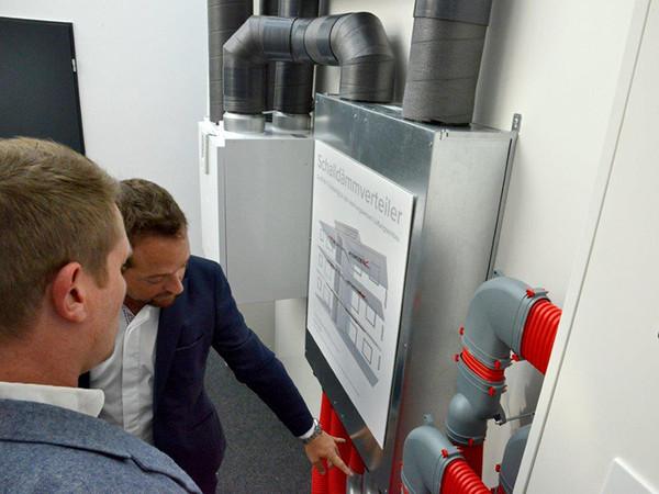Technik zum Anfassen im neuen Showroom. Foto: © Vallox GmbH