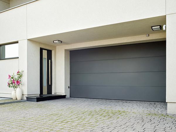 Eine Lieferung ist in sehr vielen Farben, auch passend zu Haustüren, möglich. Foto: © Wisniowski
