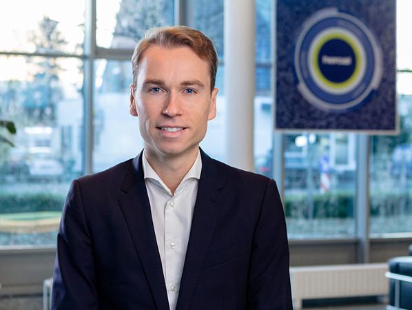 Dr. Max Schöne ist seit Januar 2020 Mitglied der Geschäftsleitung und führt heroal in der fünften Generation als Familienunternehmen. Foto: © heroal