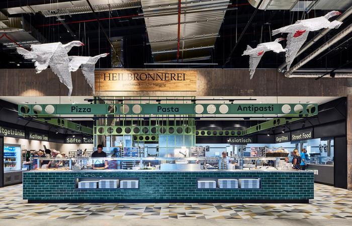 Beim Möbelhaus Rieger in Heilbronn gibt es den Gastrobereich Heilbronnerei. Auch der ist für den Award nominiert. Foto: © blocher partners
