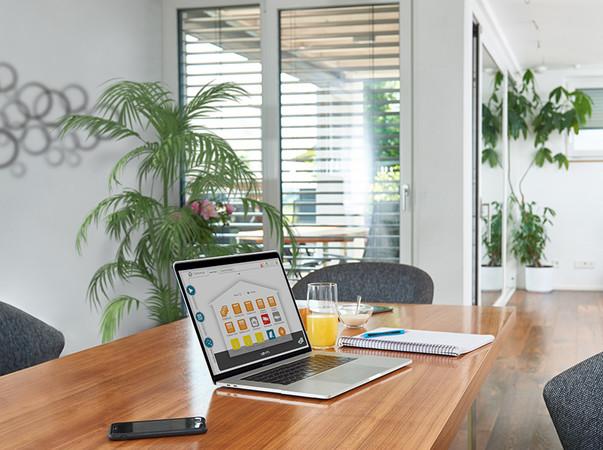 Wichtig: Die Dynamik des Fensters in Sachen Licht, Luft und Sicherheit. Foto: © Somfy GmbH/Somfy Activités SA
