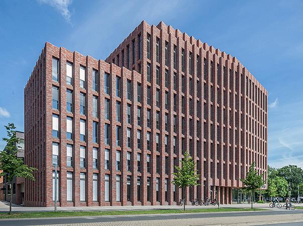 Ebenfalls auf dem Gebiet der Gebäudedämmung agierend ist Kingspan Insulation. Das Unternehmen entwickelt, produziert und vertreibt Hochleistungsdämmstoffe für die gesamte Gebäudehülle. Foto: © Kingspan Insulation