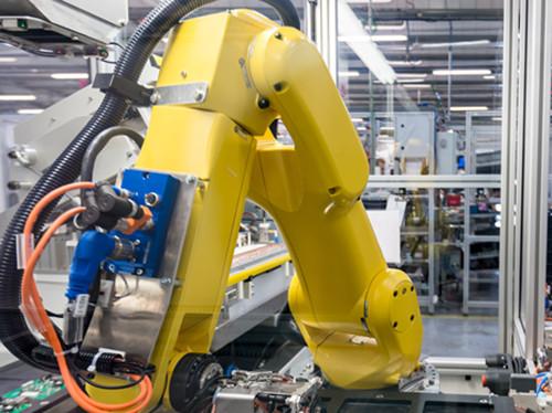 Das Unternehmen setzt neue Maßstäbe und Qualitätsstandards in der Rollladen-Antriebstechnik. Foto: © Delta Dore