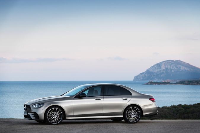 Die überarbeiteten Motoren sollen spontaner ansprechen und sind zumeist Plug-in-Hybride. Foto: © Mercedes-Benz
