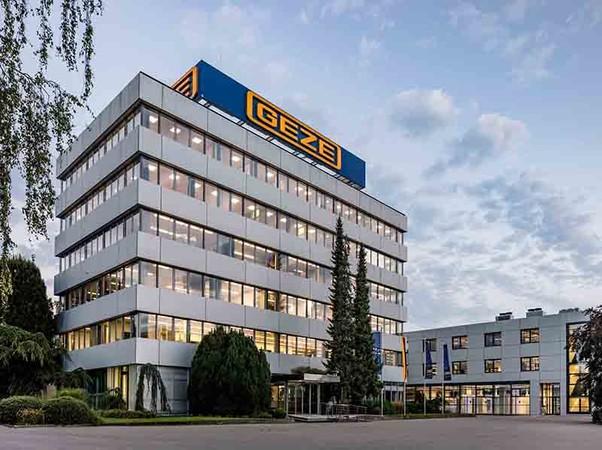 Geze gehört auch in diesem Jahr zu den Top-Arbeitgebern Deutschlands. Foto: © Jürgen Pollak / Geze GmbH