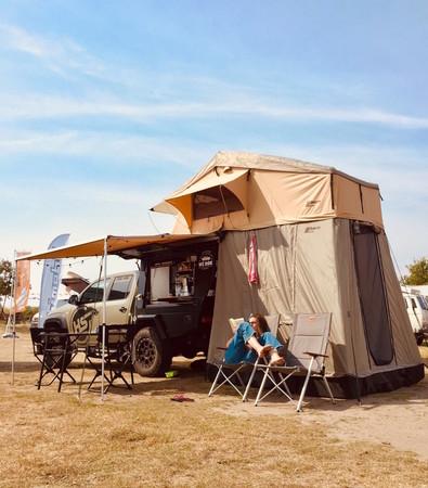 Mit dem Dachzelt von HS Offroad wird aus Ihrem Pickup ein Camper! Foto: © HS Offroad