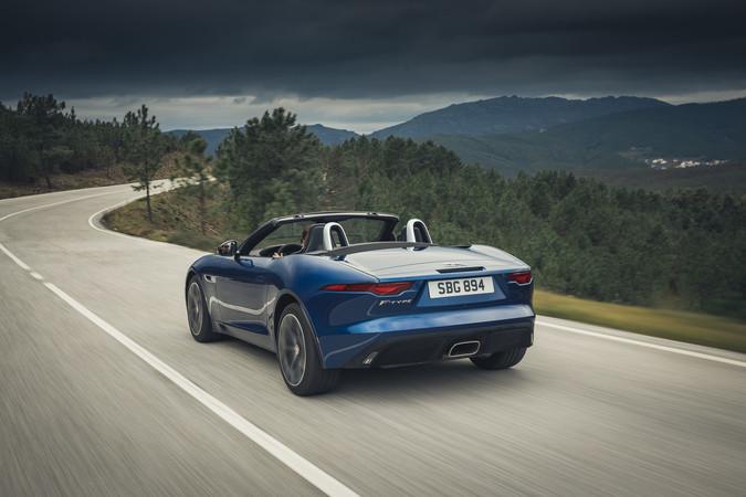 Auch das F-Type Cabrio beeindruckt mit einem fulminantem Sound. Foto: © Jaguar