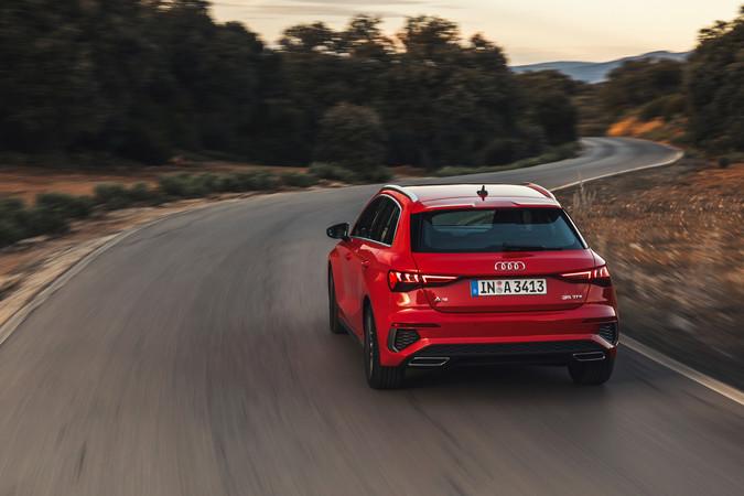 Bei den alternativen Antrieben setzt der A3 Sportback auf milde Hybride. Foto: © Audi