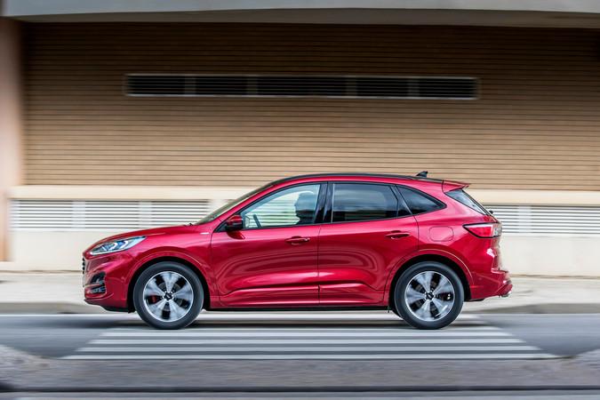 Der kompakte Ford Kuga fährt sich agil, aber nicht mehr so sportlich-direkt wie sein Vorgänger. Foto: © Ford