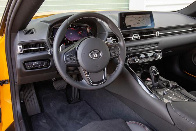 Das Basismodell bringt eine ordentliche Sicherheitsaussattung mit. Foto: © Toyota