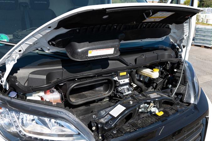 Für genug Power sorgt der im Ducato verbaute 140 PS Diesel Motor. Foto: © Martin Bärtges
