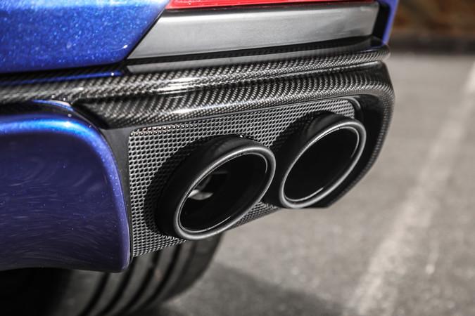 Der Maserati Levante Trofeo hat die Effizienzklasse G. Der Verbrauch des SUV liegt den technischen Daten zufolge bei 13,2 Litern im Mix. Bei sportlicher Fahrweise können es 19 Liter im Schnitt werden. Foto: © Maserati