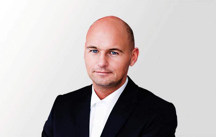 Thomas Krause Da wir die Beschaffung der Berufs- kleidung übernehmen, entfällt für die Betriebe die teils hohe Erstinvestition in die Bekleidung. Foto: © DBL
