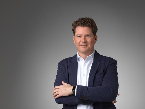 Martin Auerbach ist der Geschäftsführer des ViS – Verband innenliegender Sicht- und Sonnenschutz e.V. Foto: © ViS e.V.