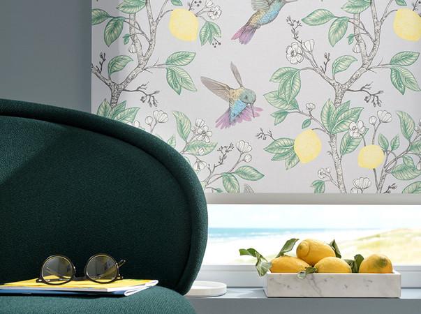 Die Kolibris wurden von Hand in aufwändiger Aquarell-Technik koloriert. Foto: © Duette