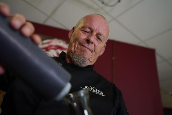 Für Uwe Koch ist der Beruf des Konditormeisters Berufung. Foto: © Robin Maeter