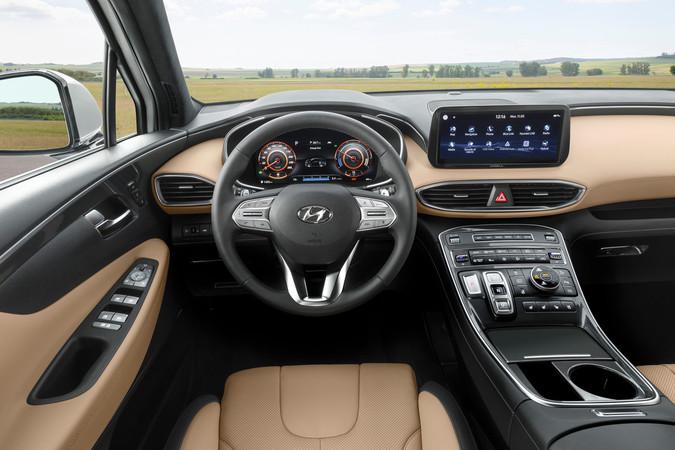 Für den Innenraum gibt es neue Displays und mehr Konnektivität. Foto: © Hyundai