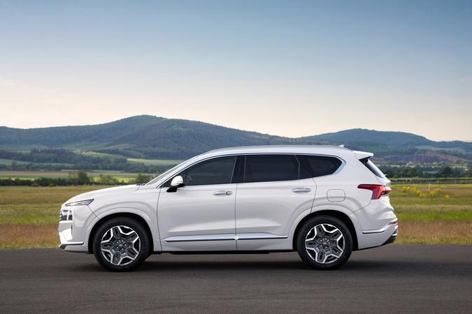 Zudem erhält der Hyundai Santa Fe mehr Assistenten. Foto: © Hyundai