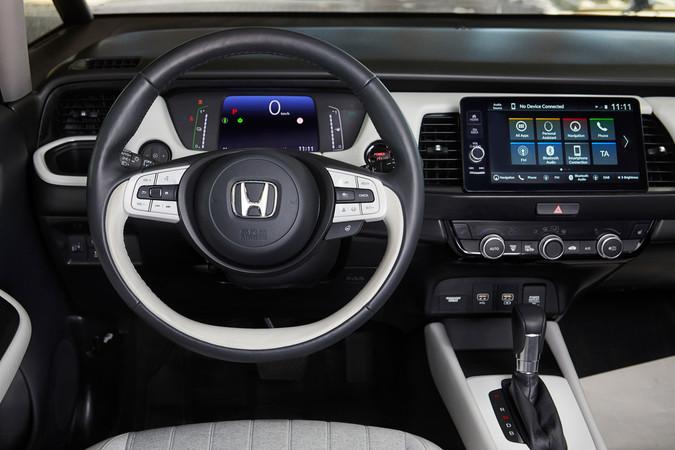Innen erweist sich der Honda als modern und bietet viel Platz. Foto: © Honda