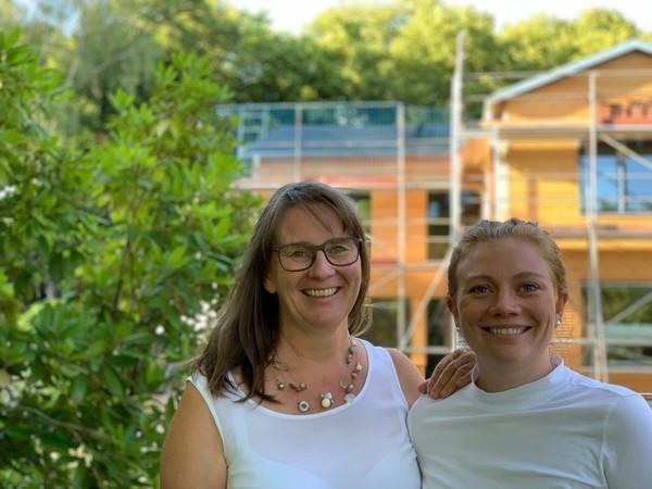 Karina Vigelahn und ihre Tochter Josephine Schineis vom Vigelahn Bauteam Foto: © Christian Schineis