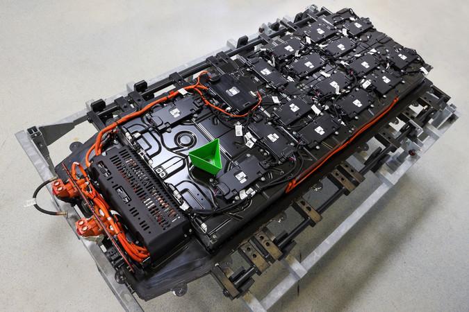 Hier das Batteriepaket des neuen ABT e-Transporter 6.1 Foto: © ABT e-Line/Stephan Lindhoff