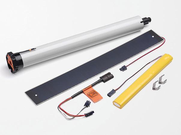 Die Bausteine für eine solare Motorisierungslösung wurden zu Bundles zusammengefasst. Der Fachmann wählt zwischen verschiedenen Antriebstypen sowie Solarpanel und Akkus in unterschiedlichen Bauformen. Foto: © Elero