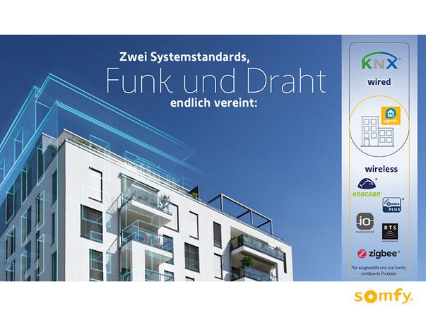 Mit der Kombination entstehen zahlreiche Vorteile für Bauträger, Planer, Architekten, Elektriker, Systemintegratoren und Bewohner. Foto: © Somfy