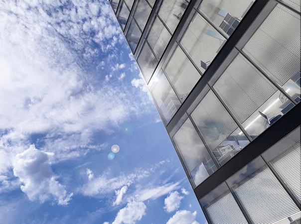 Die ISOshade-Fassade ist eine geschlossene Doppelfassade, die nach einem bauphysikalischem Prinzip funktioniert. Foto: © seele