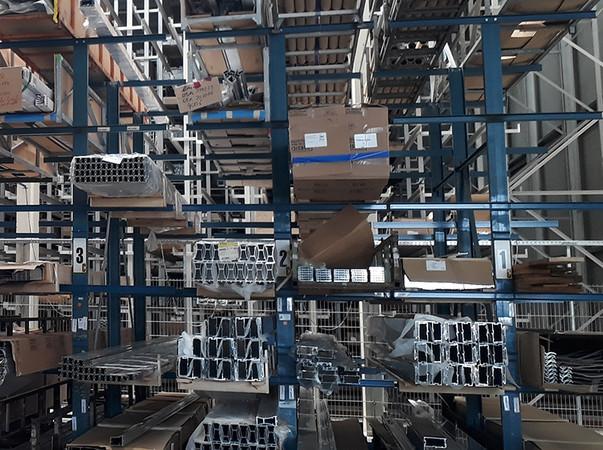 Stranggepresste Aluminiumprofile in schier unüberschaubarer Vielfalt sind die Grundlage für moderne Fassaden mit ganz individuellen Erscheinungsbildern und Leistungsmerkmalen. Foto: © Vössing