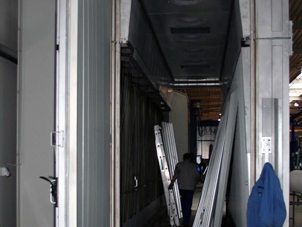 Entscheidend für die Wirksamkeit des Heat-Soak-Verfahrens ist neben der exakten Ofensteuerung besonders die Glastemperatur über die Dauer der Haltephase. Das Bild zeigt einen Heat-Soak Ofen vor der Inbetriebnahme. Foto: © Vössing