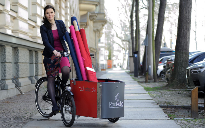 Maxi Lasheras hat ihre Radröcke erst über ihr Maßatelier Marillon verkauft. Anfang 2020 hat sieRadRobe mit einem eigenen Onlineshop gegründet. Foto: © RadRobe/Johannes Winter