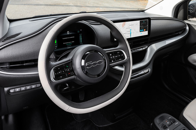 Der Innenraum präsentiert sich neu und zeitgemäß. Foto: © Fiat