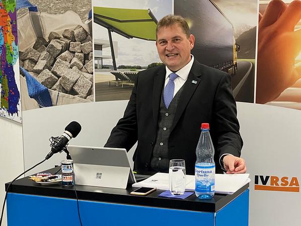 Geschäftsführer Lars Rippstein führte durch die virtuelle Mitgliederversammlung. Foto: © ITRS